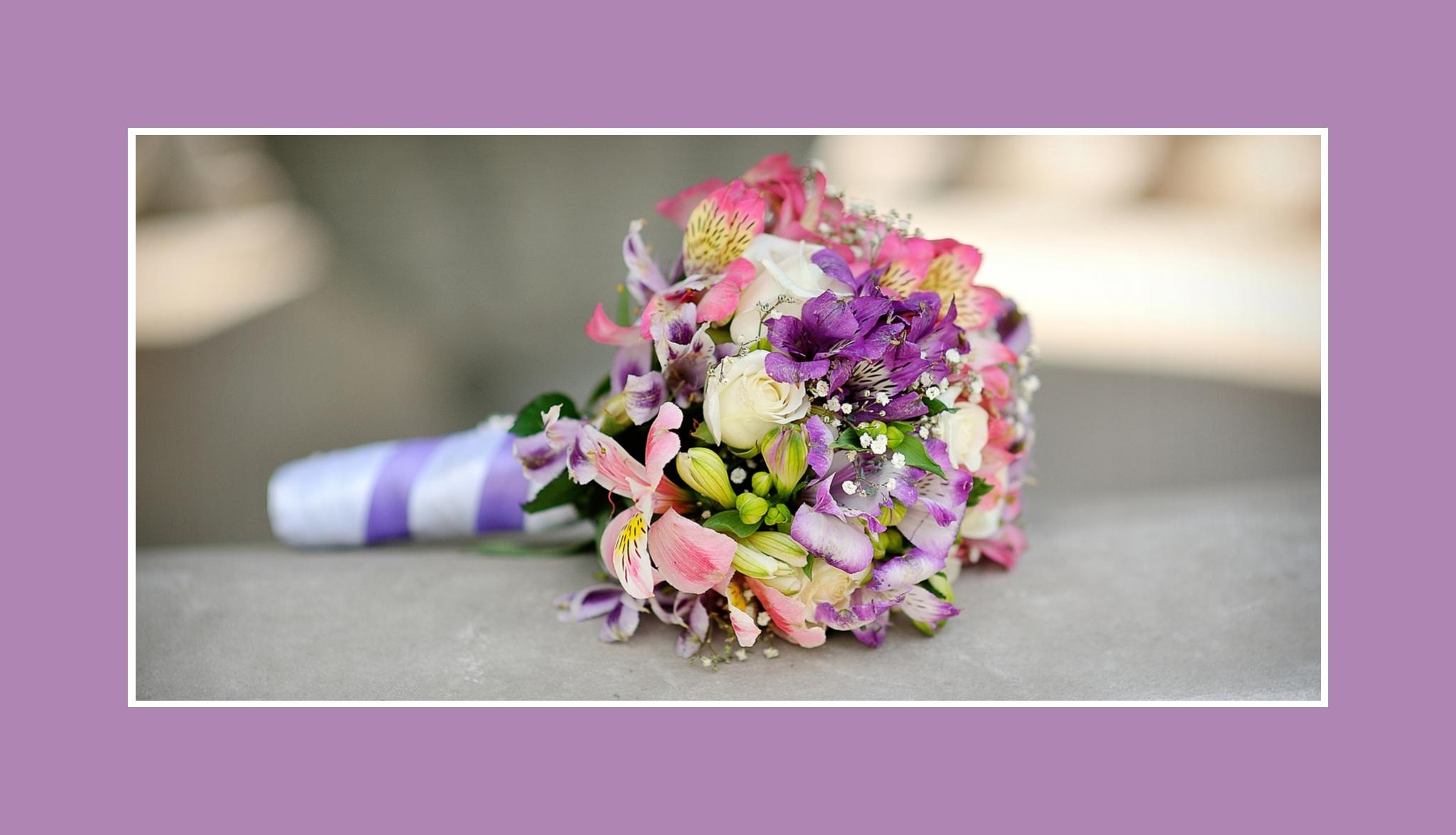 Blumenstrauß ganz Bunt Inkalilien Rosen