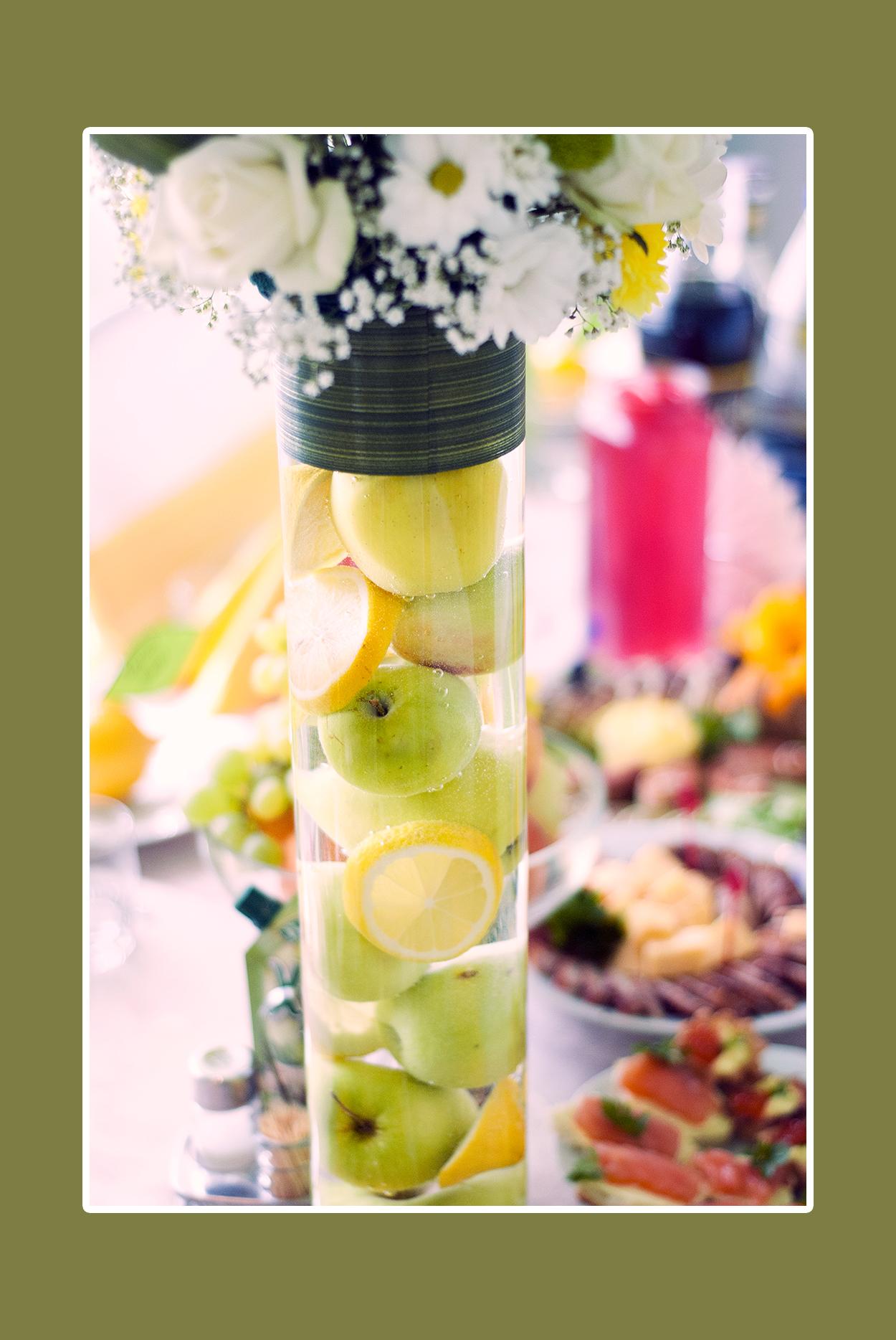 Hochzeitsdeko Äpfel in Vase Glas