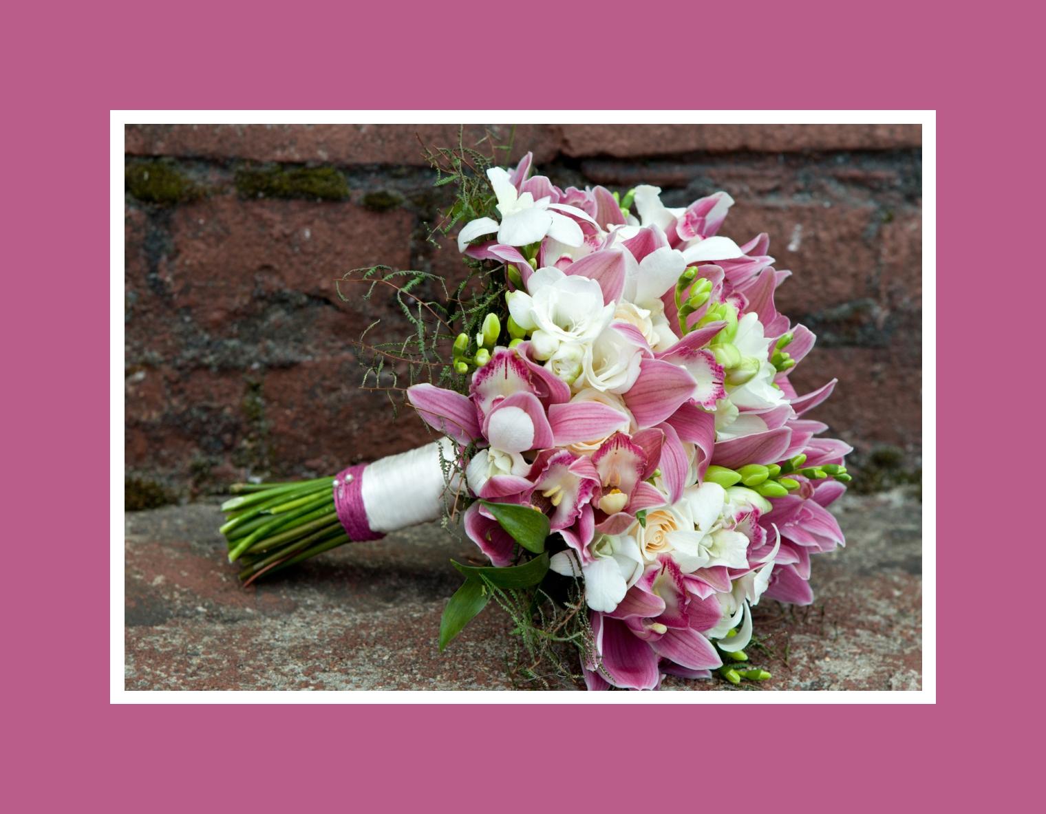 Brautstrauß aus Orchideen – Lila & Weiß