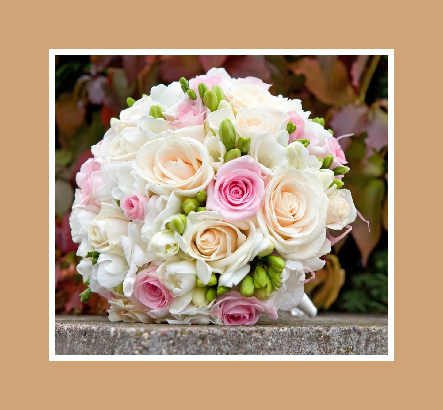 Klassischer Brautstrauß aus Rosen