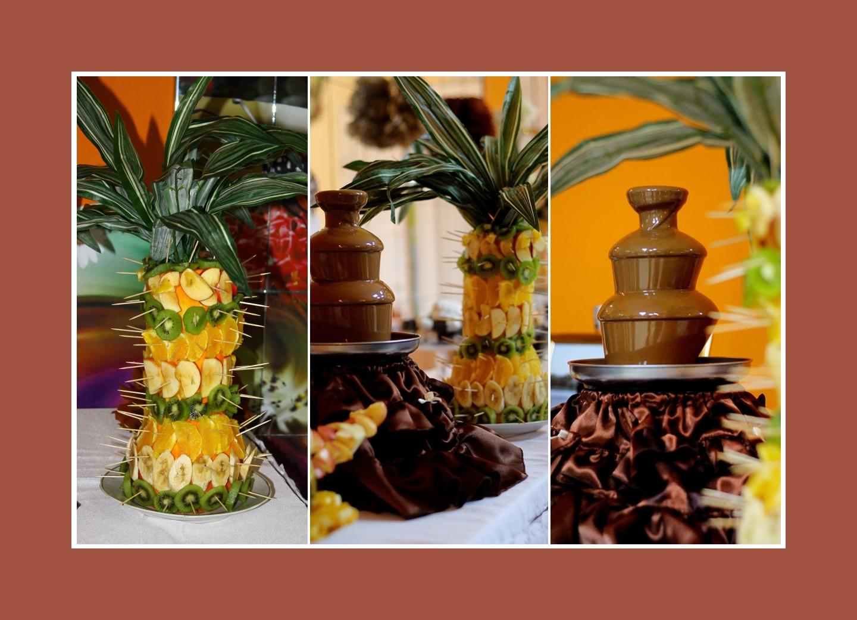 Schokoladenbrunnen und Fruchtpalme