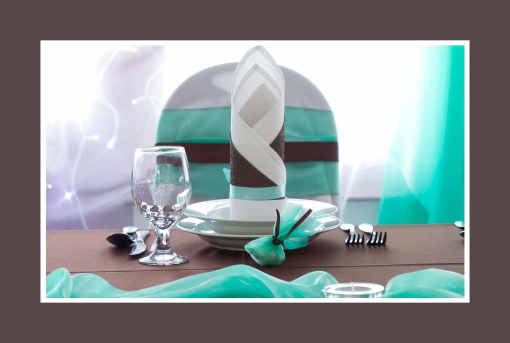 Tischdeko Türkis & Schokolade in Details
