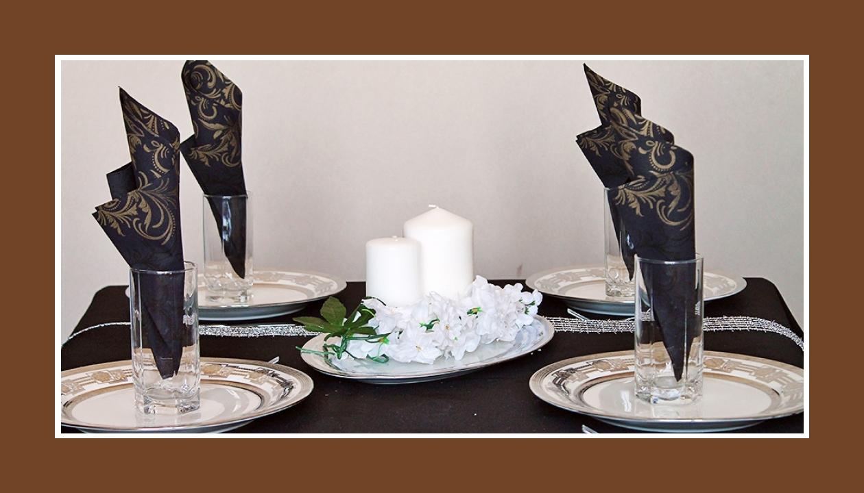 Elegante Deko Idee Goldene Hochzeit in Schwarz-Gold